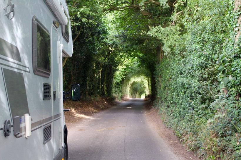 Abseits des Motorways. Anfahrt auf das Dörfchen Kings Moss bei St Helens