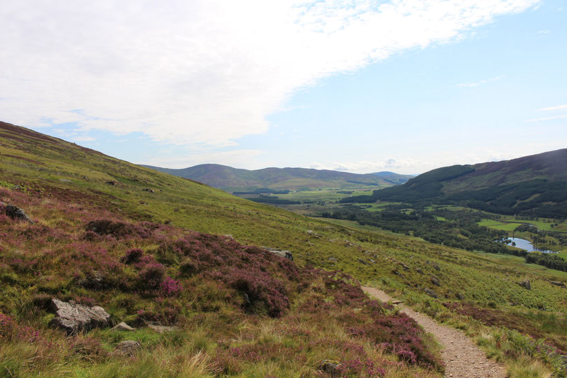 Glen Clova. Wanderung zum Hochlandsee Loch Brandy