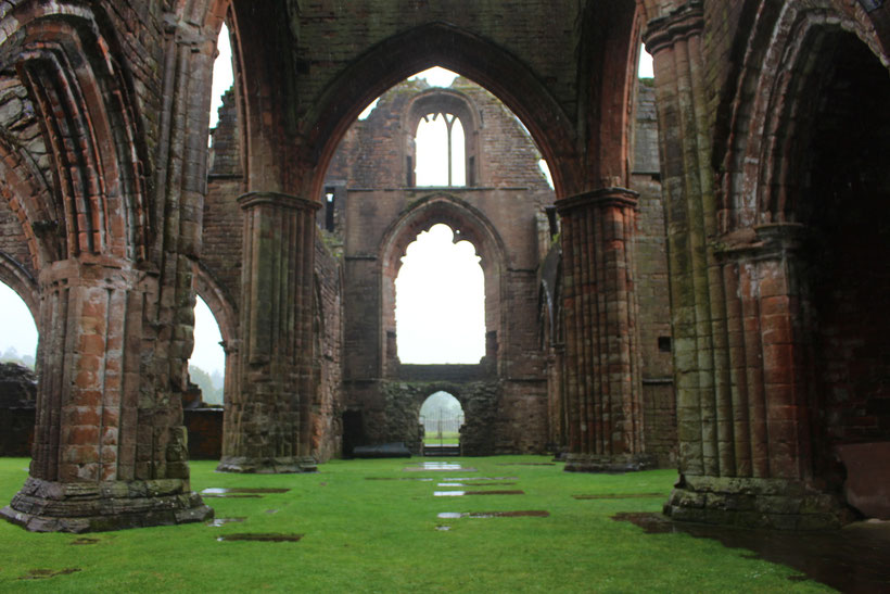 Sweetheart Abbey bei New Abbey, Dumfries