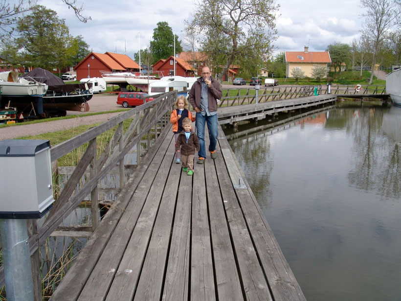 Wir übernachten auf einem Stellplatz in Sjötorp am Götakanal