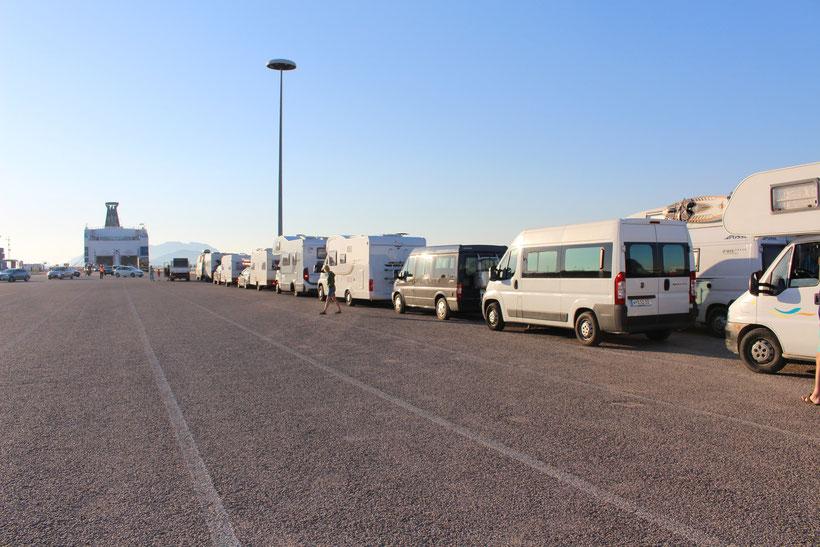 Vor der Überfahrt mit Moby Lines nach Piombino