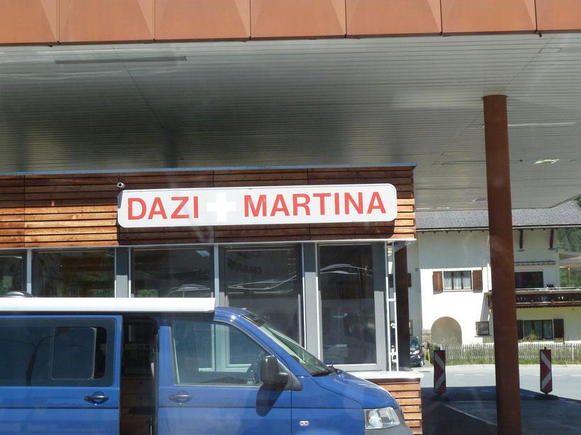 Da staunt die Besatzung: Grenzübergang Martina
