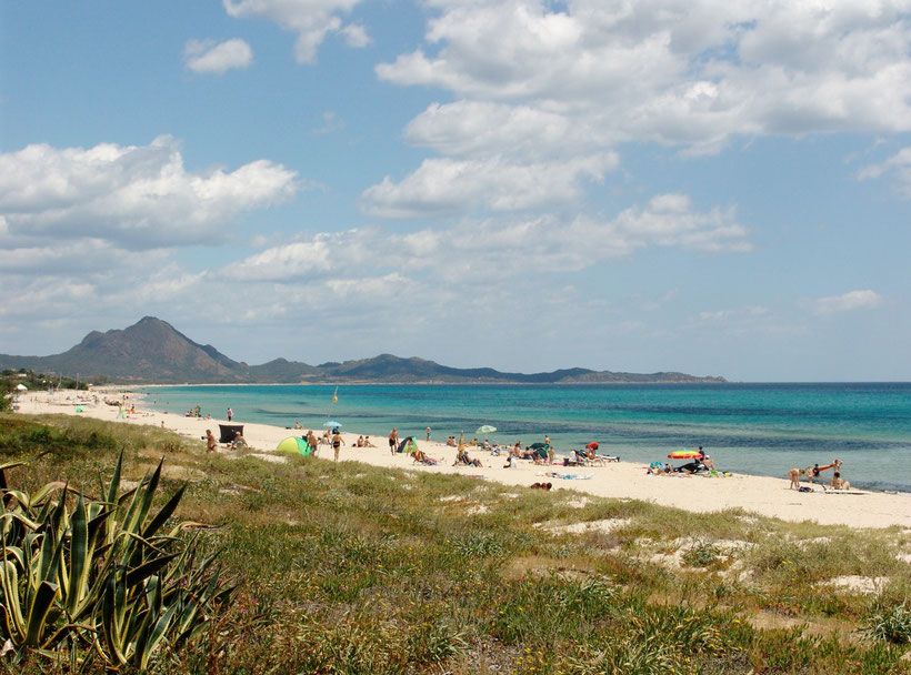 Vor unserer Haustür. Strand am Campingplatz Capo Ferrato