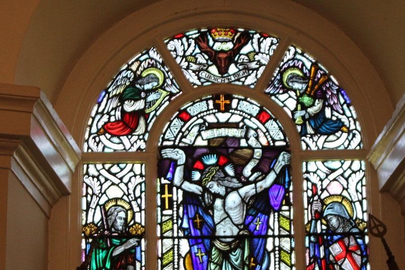Dudelsackspielender Engel in der Kapelle, oben rechts