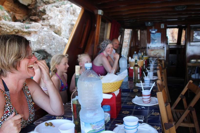 Mittagessen an Bord