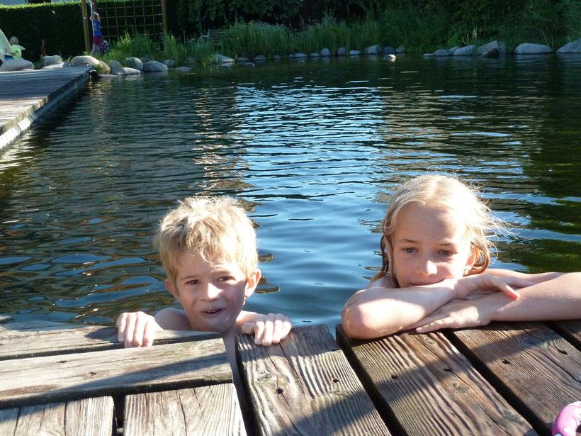 Vergnügen ohne Ende: Badeteich Camping Obstgarten
