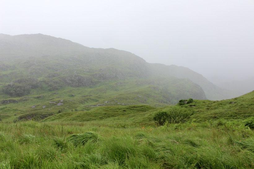 Beeindruckende Landschaft im Sprühregen. Auf dem Weg nach Glenuig