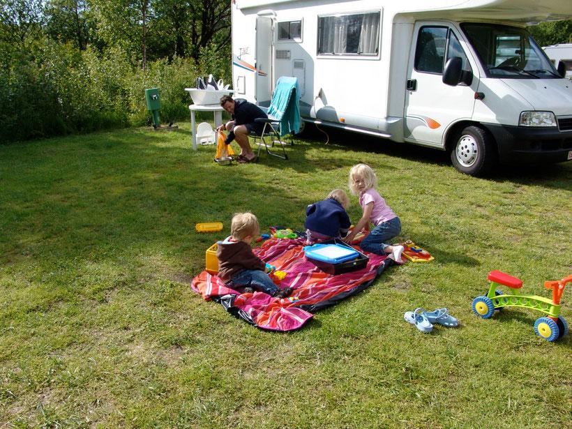 Auf dem Campingplatz unterhalb vom Preikestolen treffen wir auf eine nette Familie aus Belgien