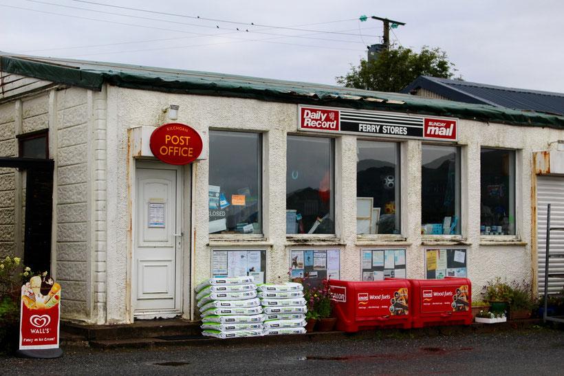 Dorfladen und Post in Kilchoan und gegenüber ...