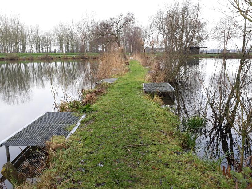 De dam (soms ook wel de dijk genoemd)