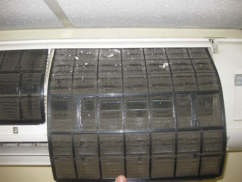 Грязный фильтр кондиционера