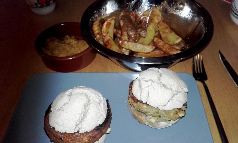Regionalsport veganer Burger Pommes fettarm veganer Karottenaufstrich