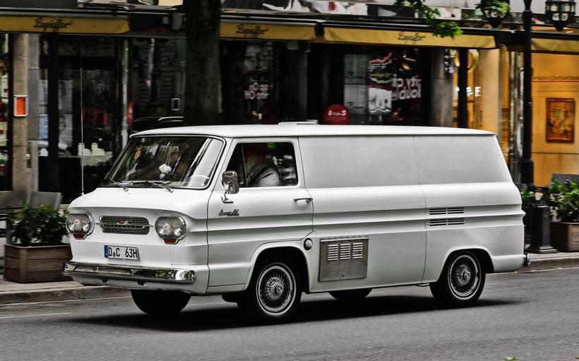 Chevrolet Beauville Blitzlichtkabinett