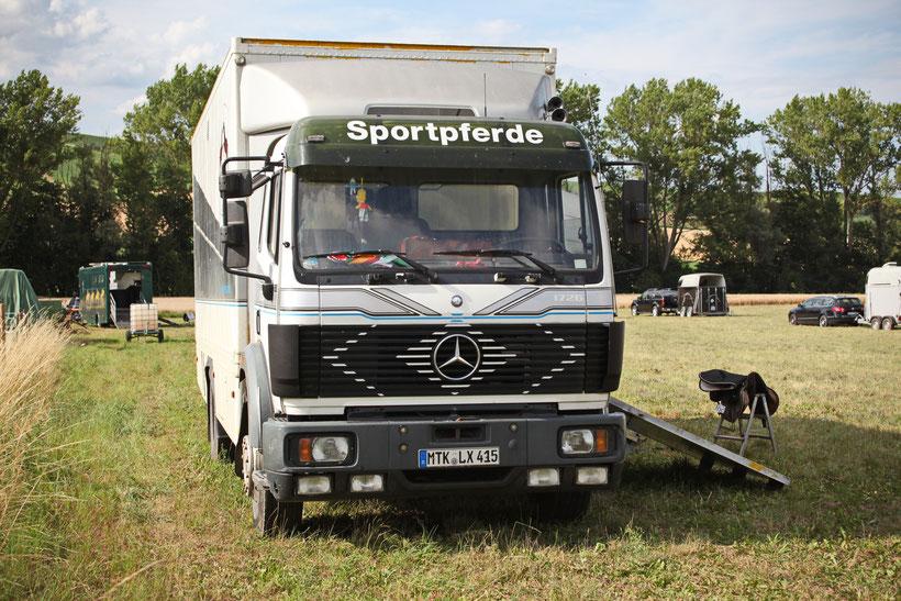 Mercedes-Benz SK 1726
