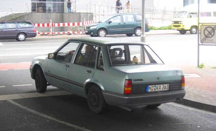 Opel Corsa Stufenheck