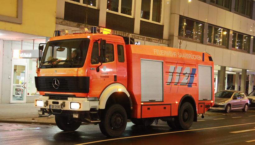 Mercedes-Benz 1831 SK als Feuerwehr-Wagen in Saarbrücken (2014