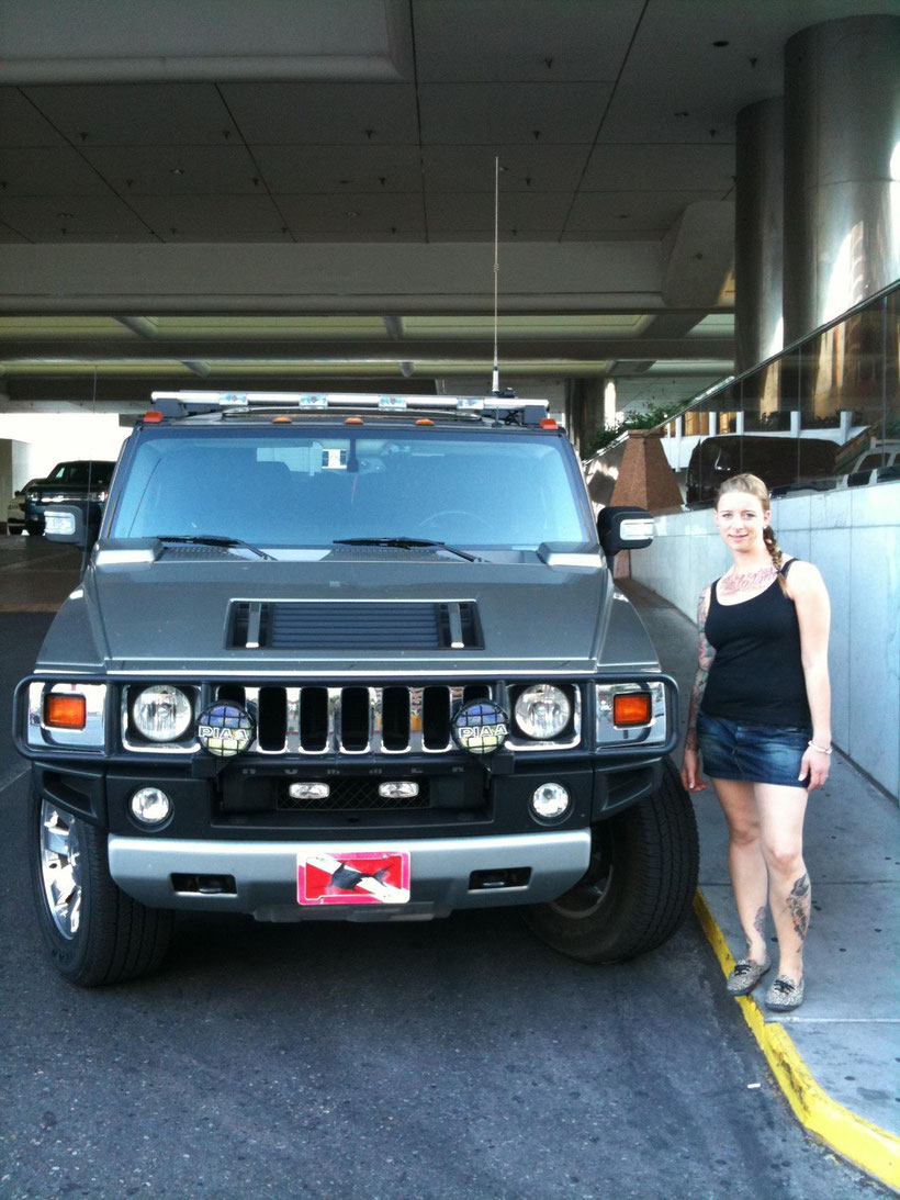 Hummer H2 aus Las Vegas mit Fotomodel (Oktober 2011)