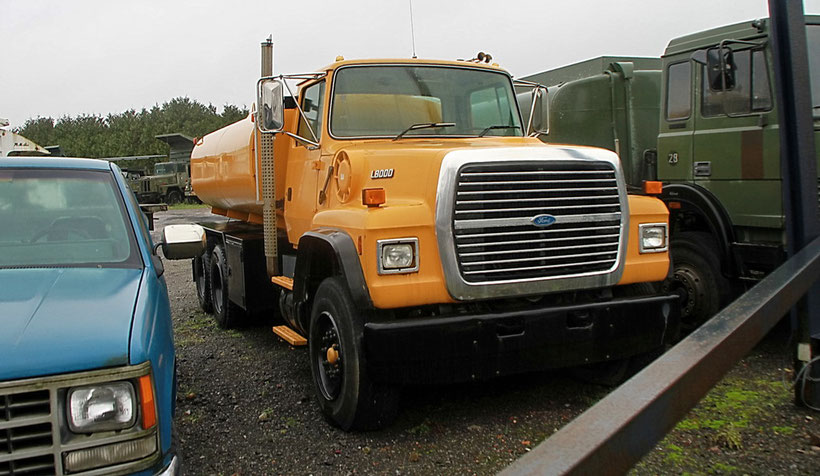 Ford L 8000