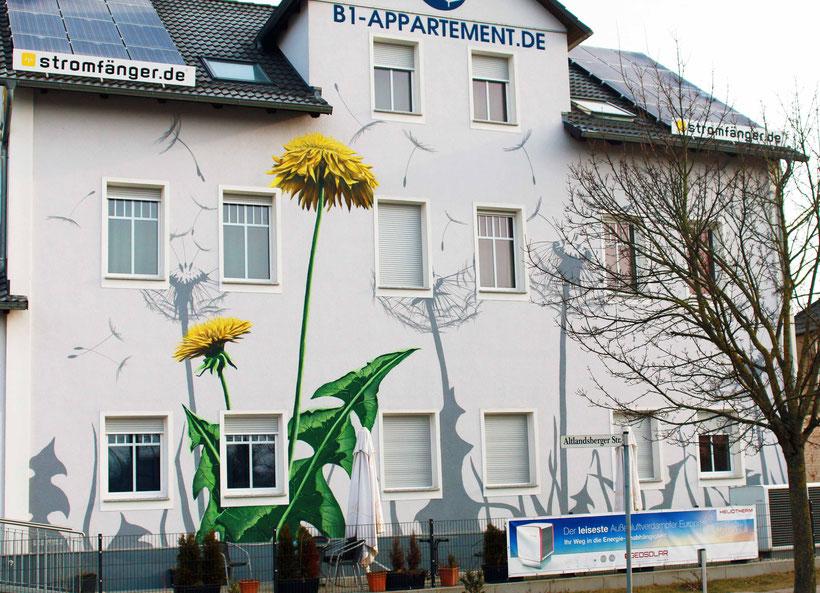 Fassadenmalerei bei Berlin für ein Hotel