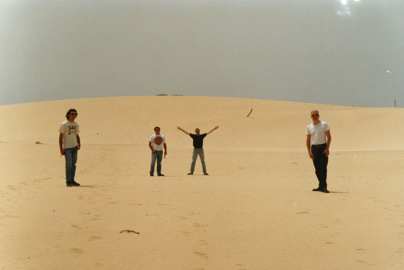 Spanish rock group 'Beatless' on tour with Lanzate Agency in the summer of 2002. Fuerteventura, Spain. Canary Islands