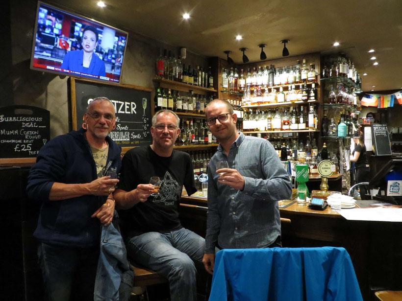 """Ausgiebige Whiskyprobe im """"Albanach"""""""