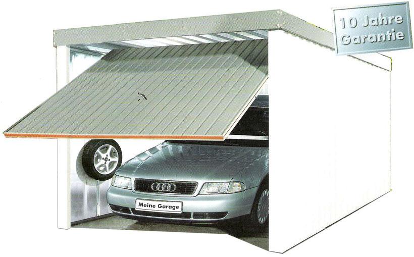 Stahl-Garage mit Design-Elementen