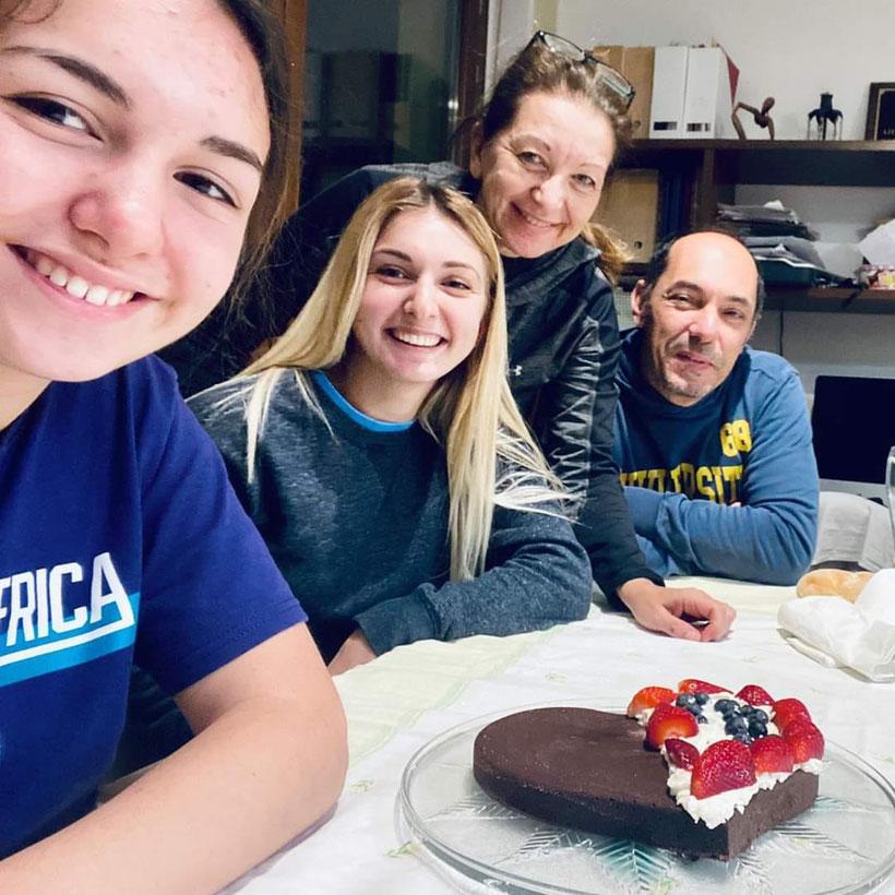 La famiglia Di Lauro al completo: da sx Chiara, Gloria, Sara Dall'Alpi e Dante