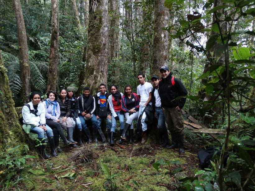 Estudiantes de Herpetología Avanzada (2014-2)