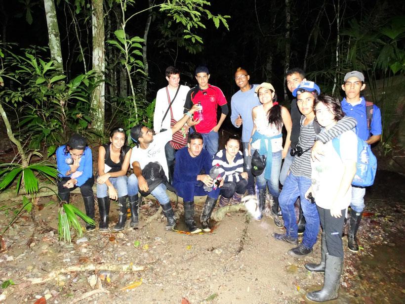 Estudiantes de Herpetología Básica (2014-2)