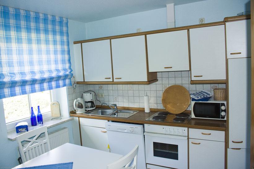 Unsere Küche beeinhaltet alles was gebraucht wird, Ferienhaus Gretchen, Rollstuhlgerecht, Nordsee, NOK, Urlaub