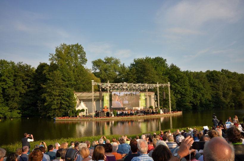 Ein herrlicher Sommerabend und Musik von beiden Ufern