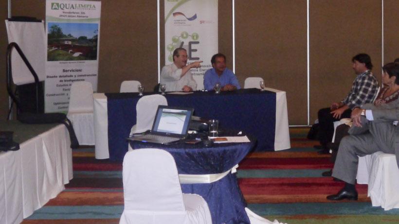 Dr. Adrianus van Haandel - Dipl. Ing. Gabriel Moncayo Romero (Aqualimpia)