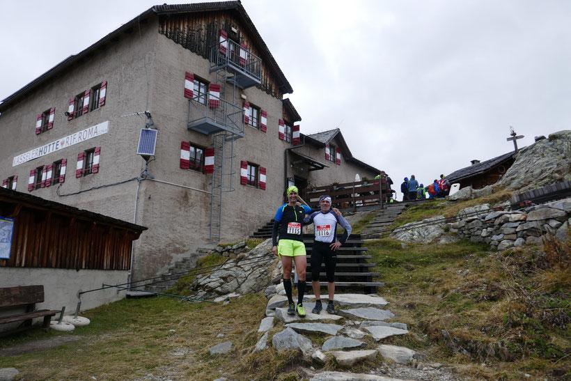 Benni & Franz gemeinsam im Ziel, welches bei der Kasseler Hütte ist