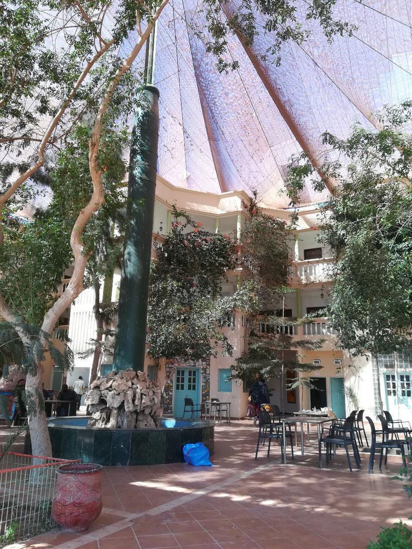 Hotel Barbas 90 Kilometer vor der Grenze. Hier kann man gut noch einen Happen Essen und Tanken