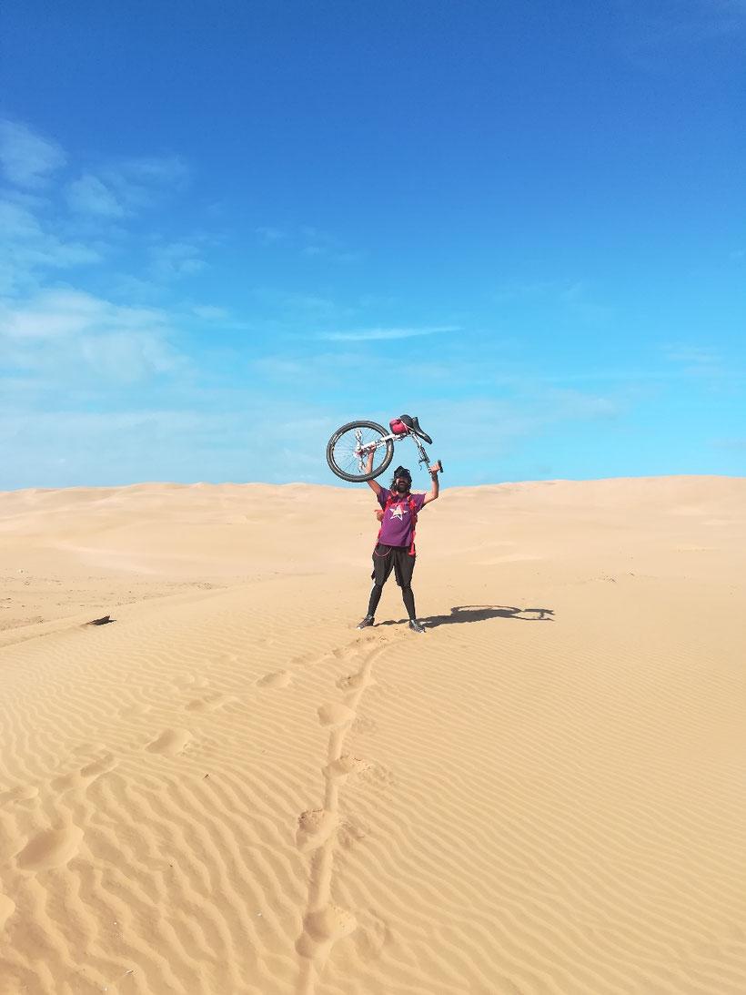 1000 km mit dem Einrad durch die Wüste