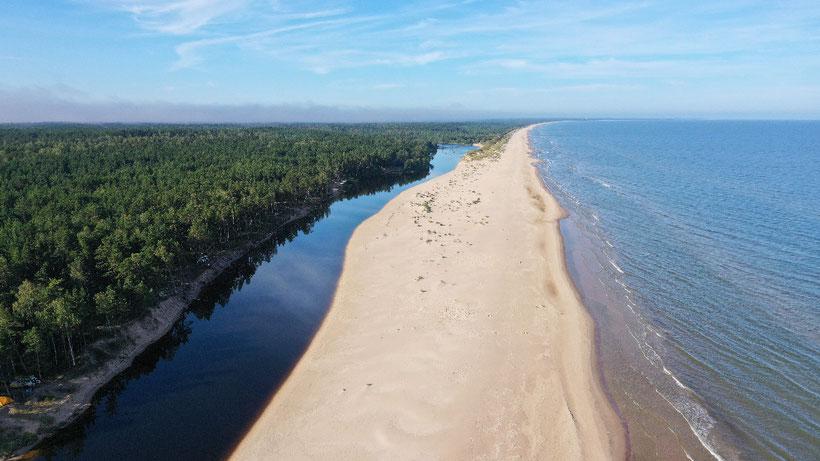 Wunderschöne Ostsee - links am Bildrand ist unser kleines Camp zu sehen