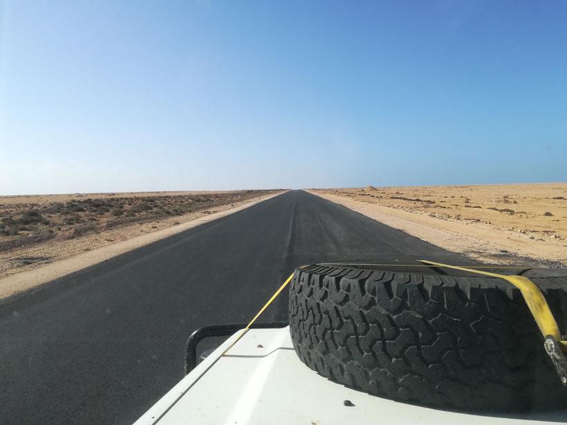Straße bis zum Horizont...