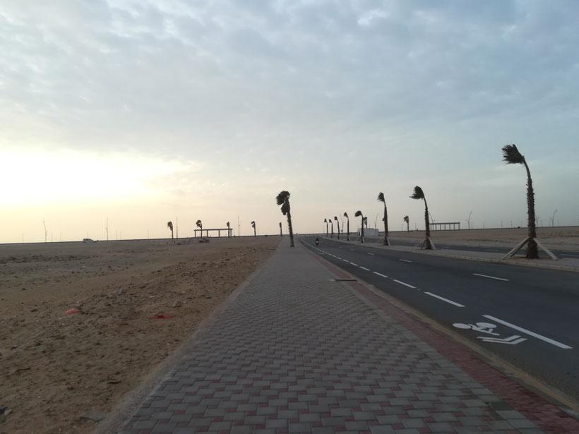 Einsame Promenade am Atlantik