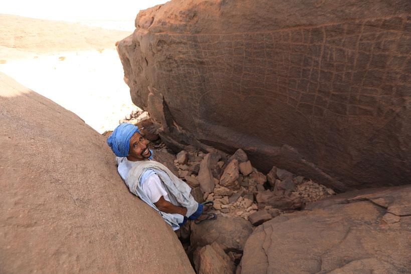 Das Highlight war die Felsritzung einer rund 3m langen und 2m hohen Kuh. Ihr Alter wird auf rund 4000 Jahre vor Christi Geburt datiert
