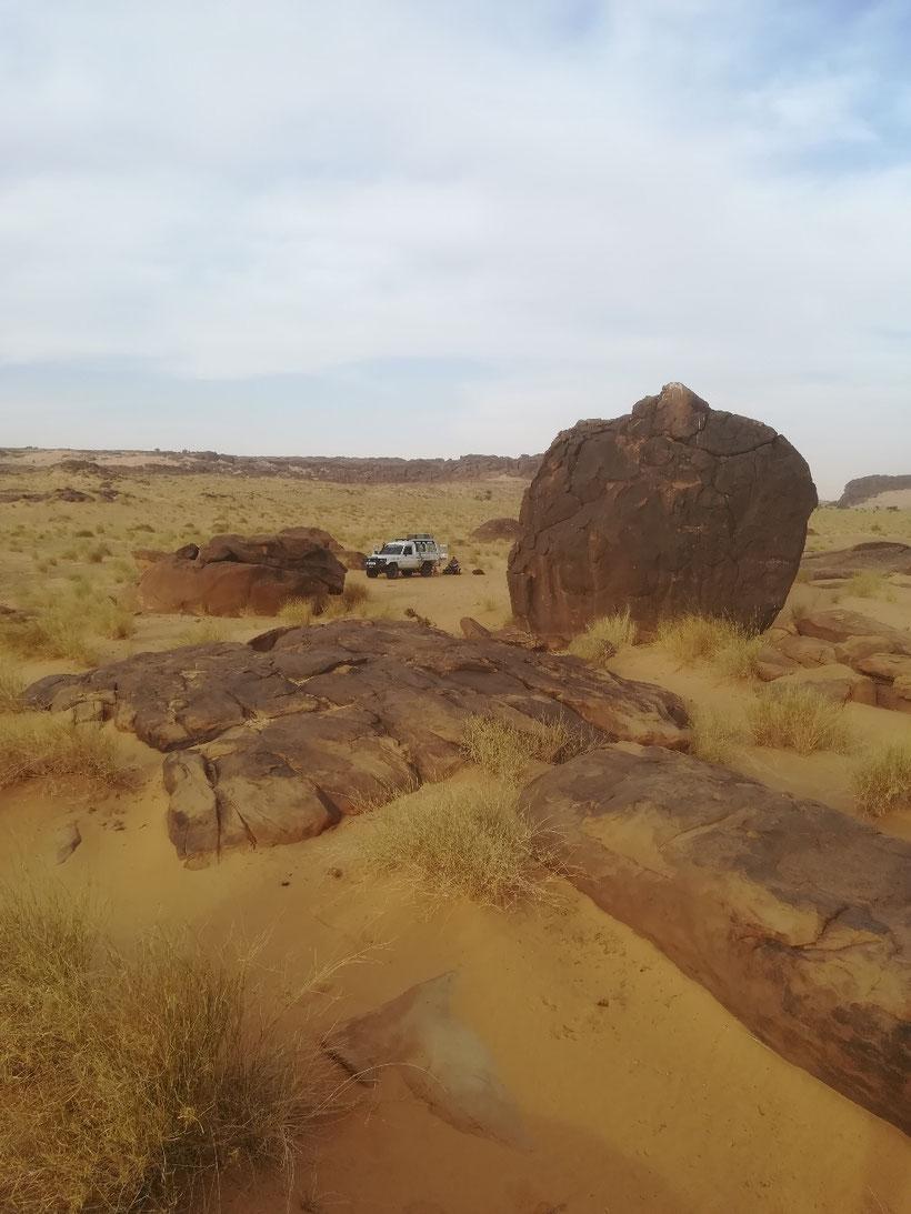 Unser drittes Biwak im Windschutz einiger Felsblöcke