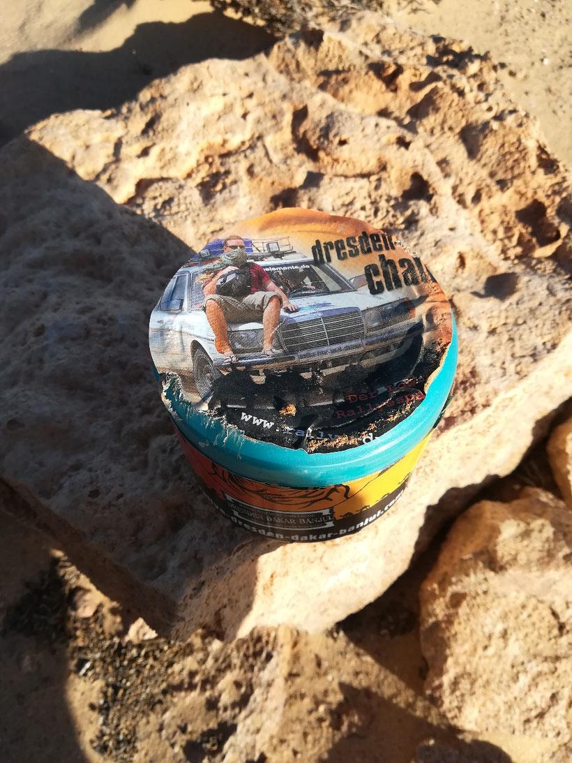 Einer von drei Geocaches in der Westsahara