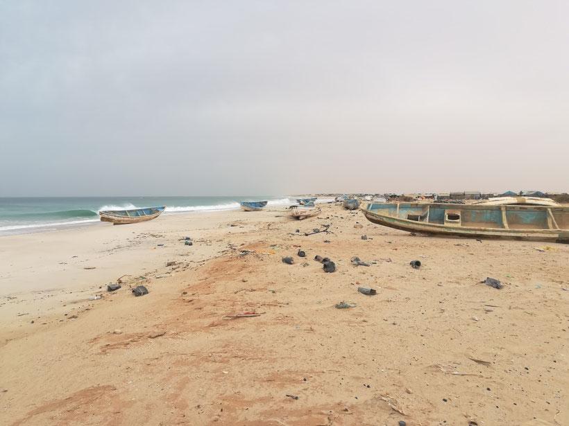 Fischerdörfer am Strand nördlich von Nouakchott