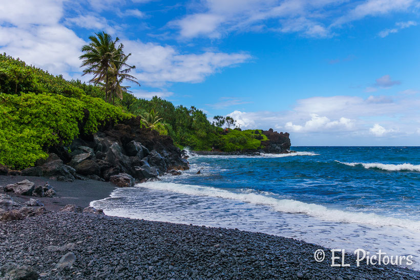 Pa'iloa Beach, Waianapanapa, Road to Hana, Maui, Hawaii