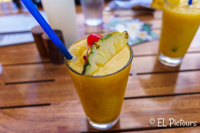 Cocktail am Beachwalk Kaanapali, Maui, Hawaii