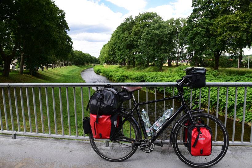 Ab hier beginnt die Sprintstecke nach Hause. Die Neiße am Grenzübergang nach Polen in Zittau