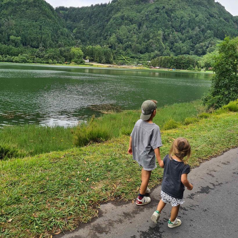 Lago di Furnas Azoren Baby Kind Kleinkind