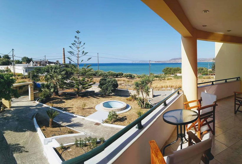 Aussicht vom Balkon aufs Meer im House of Light in Sitita