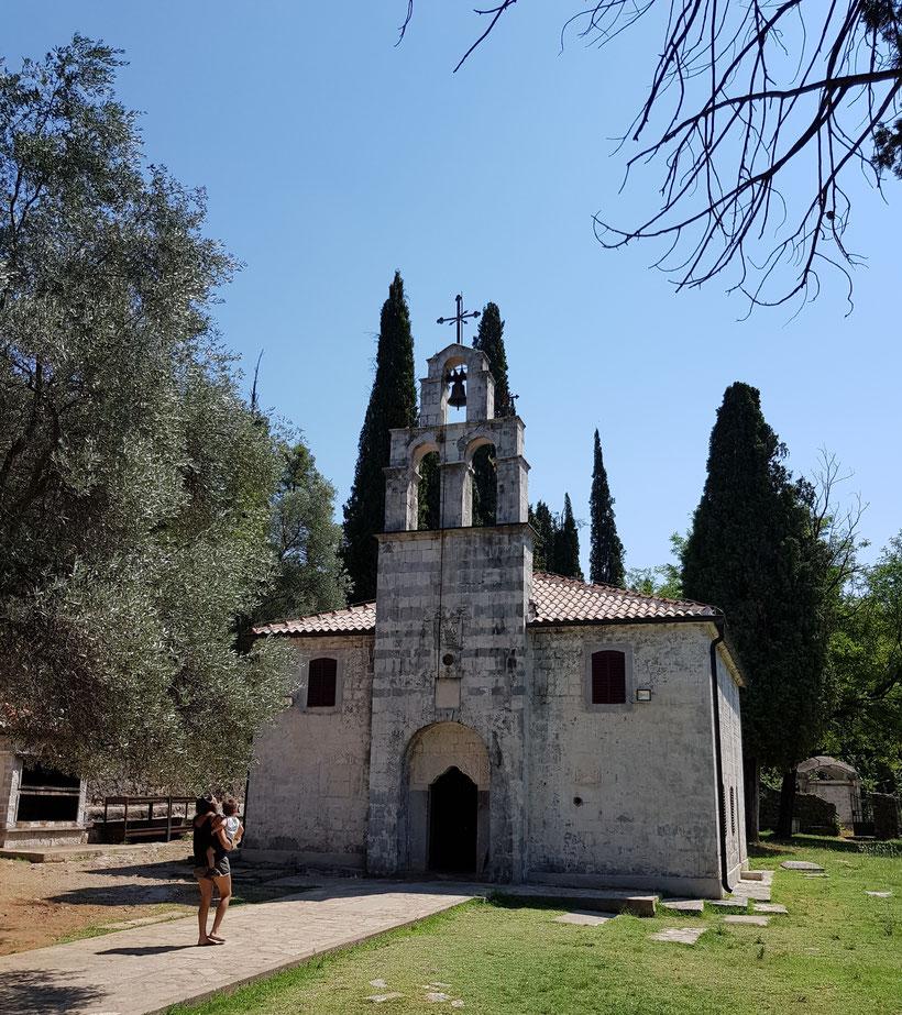 podgorica kirche park kapelle