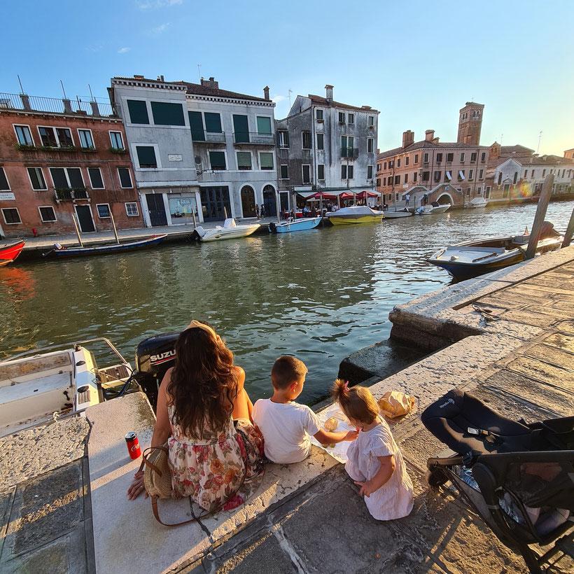 Essen am Kanal in Venedig Ghetto