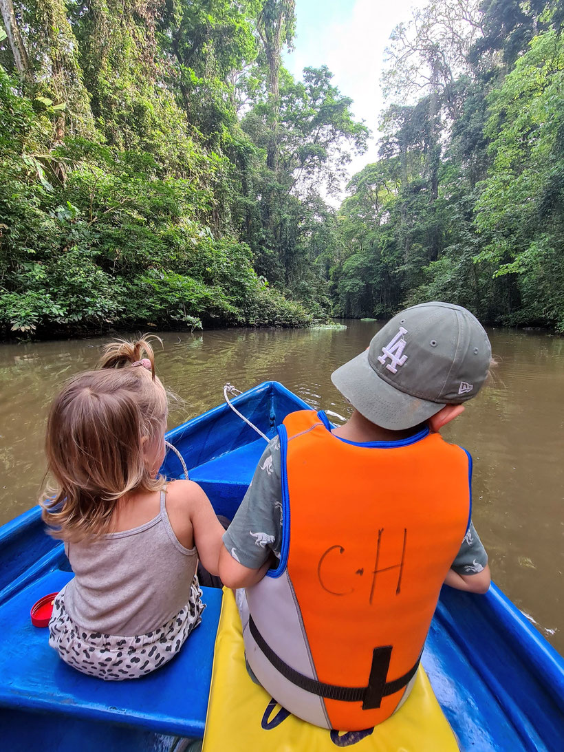 Nationalpark Tortugero Kind Kleinkind Costa Rica